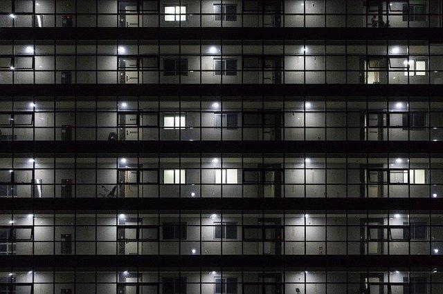 byty a mříže