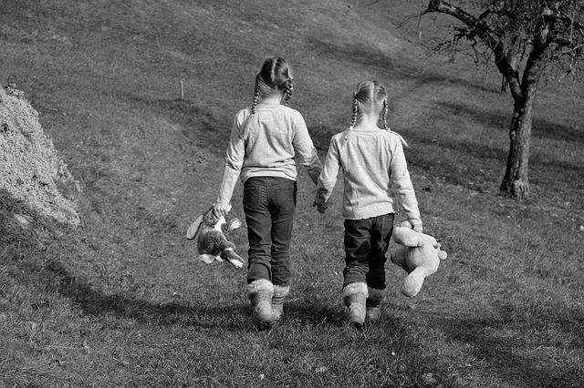 holčičky s plyšáky.jpg