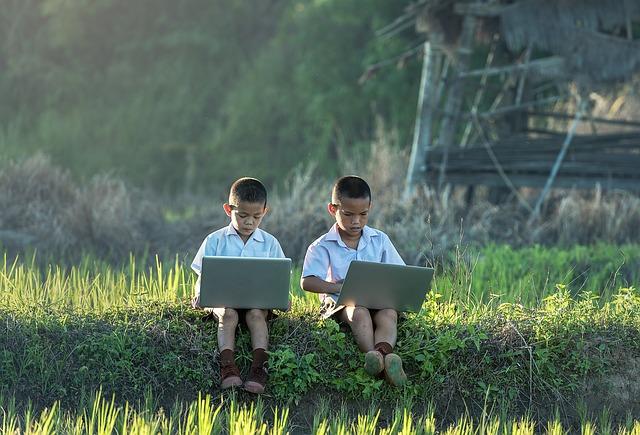 vietnamští chlapci.jpg