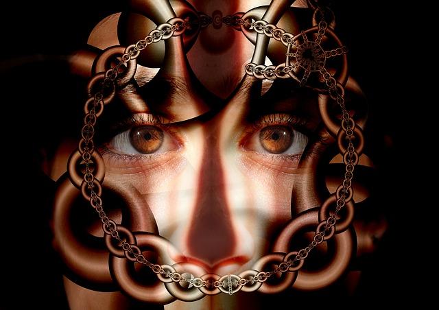 řetězy před obličejem